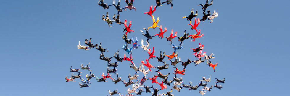 Skydiving big group formation